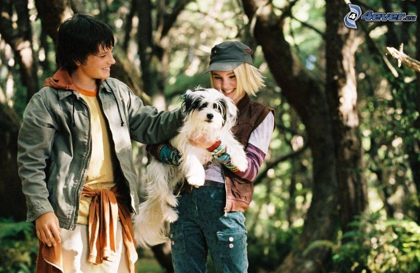 niño y niña, perro