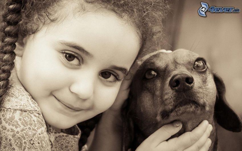 chica, perro, Foto en blanco y negro