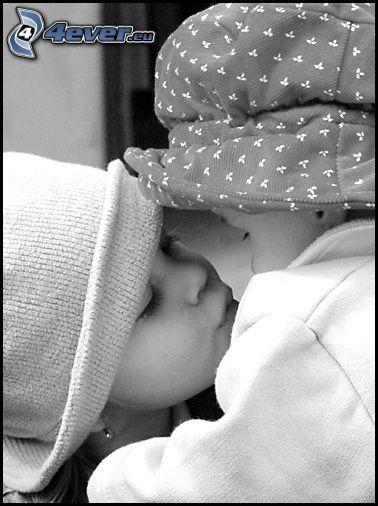 niños, amor, niños besándose