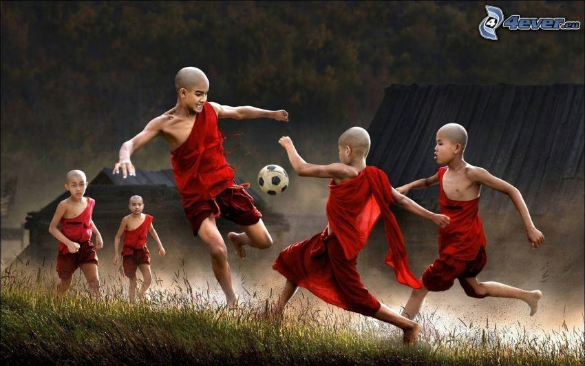 niños, monjes, fútbol