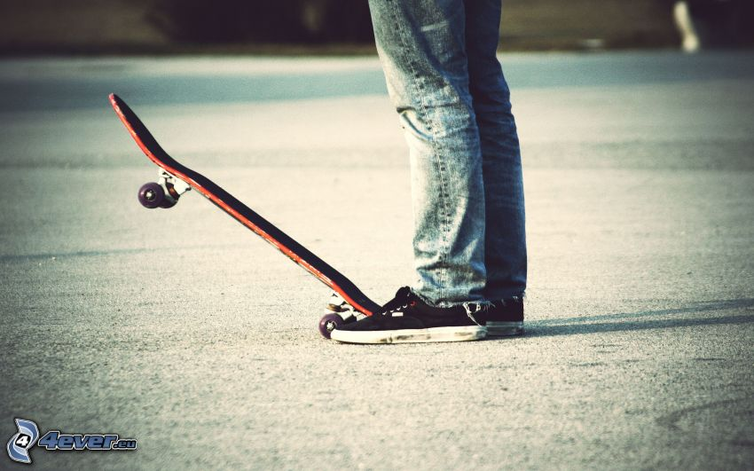 skateboard, pies