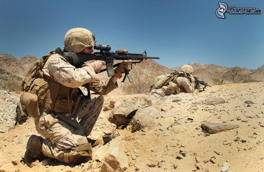 soldado, metralleta
