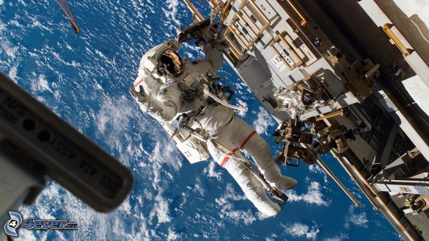 astronauta en la ISS, mar