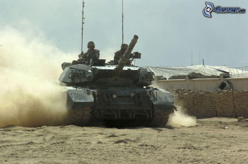 tanque, soldados, polvo, base