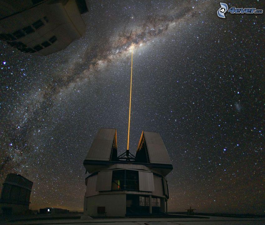 Very Large Telescope, prismáticos, universo