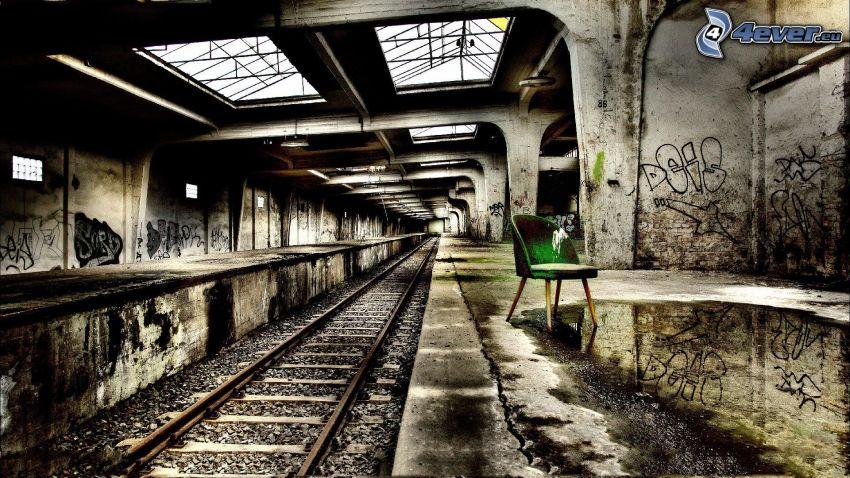 La estación de tren, pista, HDR