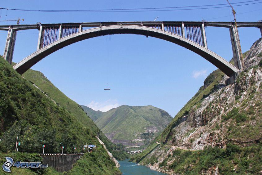 puente ferroviario, montaña rocosa, río