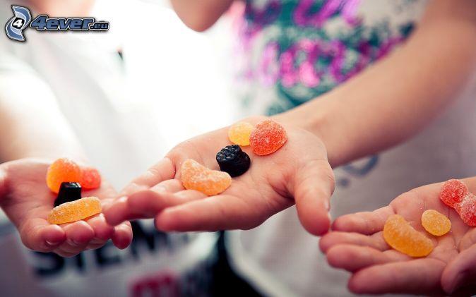 bonbons, gelée, mains