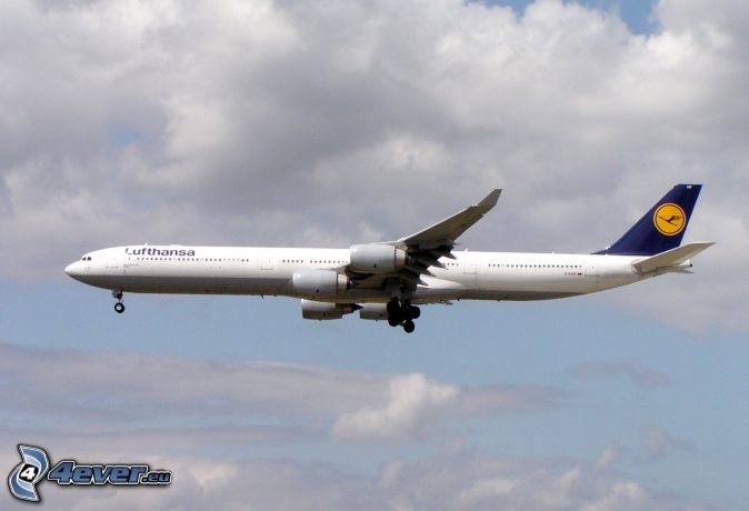 Airbus A340, nuages