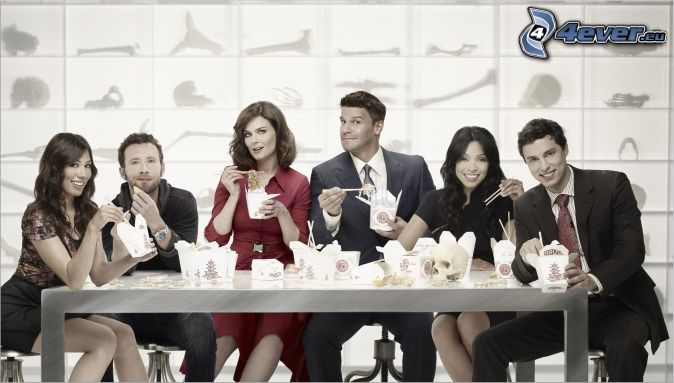 Bones, Emily Deschanel, Temperance Brennan, Seeley Booth, David Boreanaz, Michaela Conlin, Angela Montenegro, le déjeuner, laboratoire