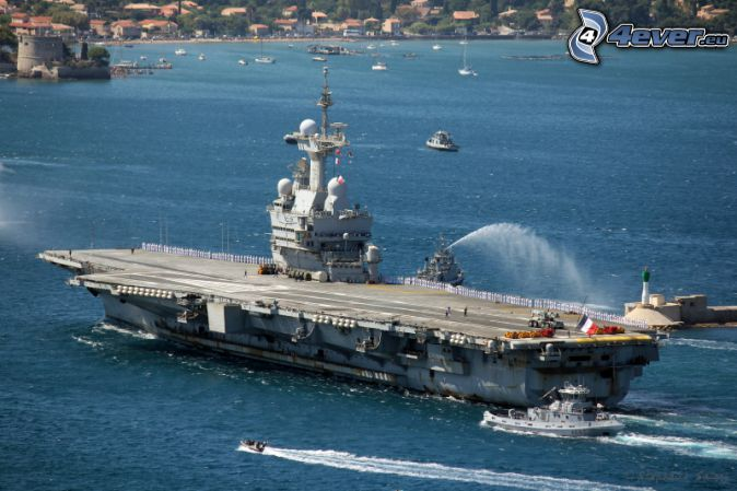 R91 Charles de Gaulle, porte-avions, mer