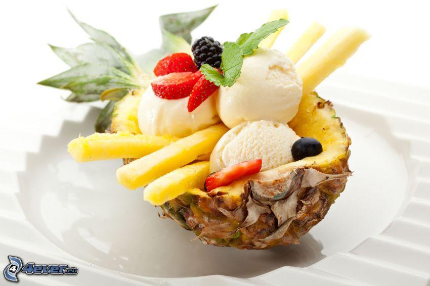 ananas, fruits, crème glacée, fraises, myrtilles, műres sauvages