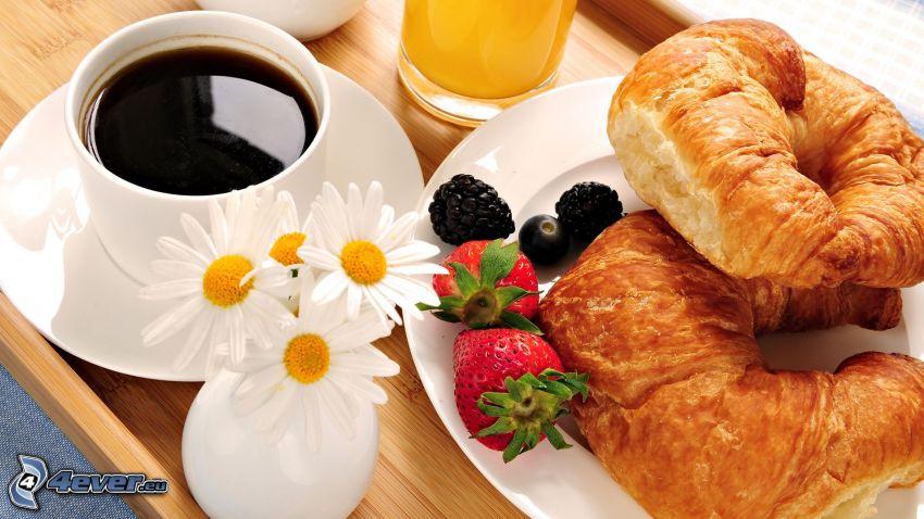 croissants, café, petit-déjeuner
