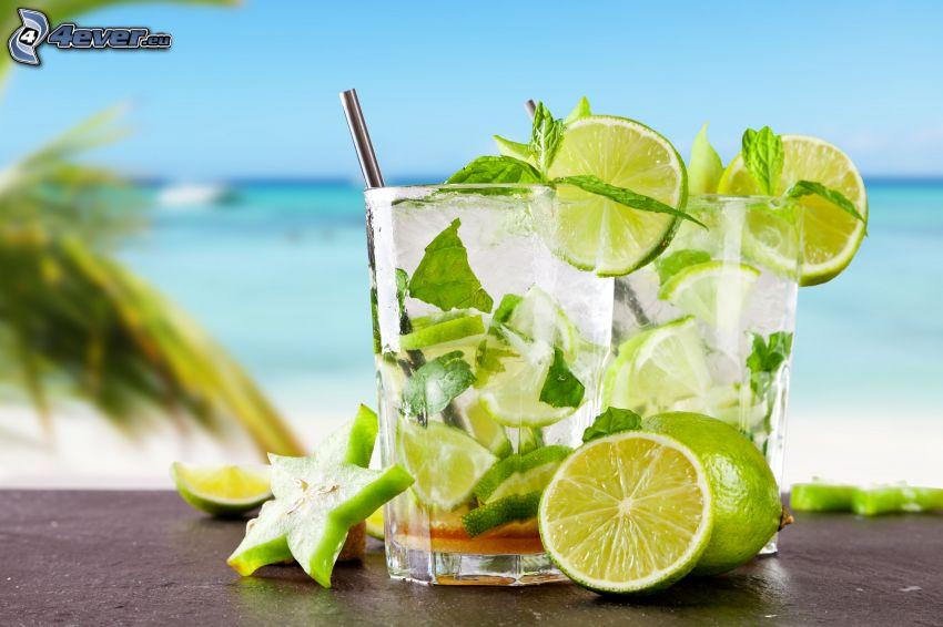 mojito, boissons mélangées, limes, feuilles de menthe, mer