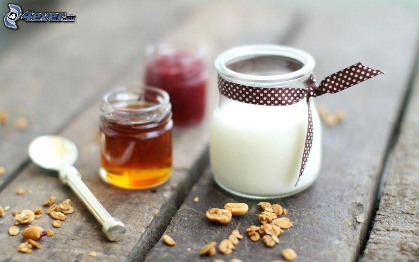 petit-déjeuner, yaourt, miel, confiture, muesli