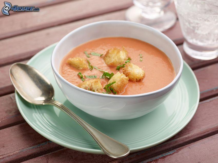 soupe à la tomate, cuillère