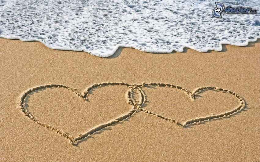 cœur dans le sable, plage de sable, mer