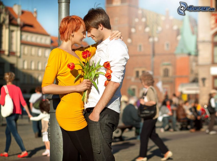 couple dans la ville, tulipes, amour