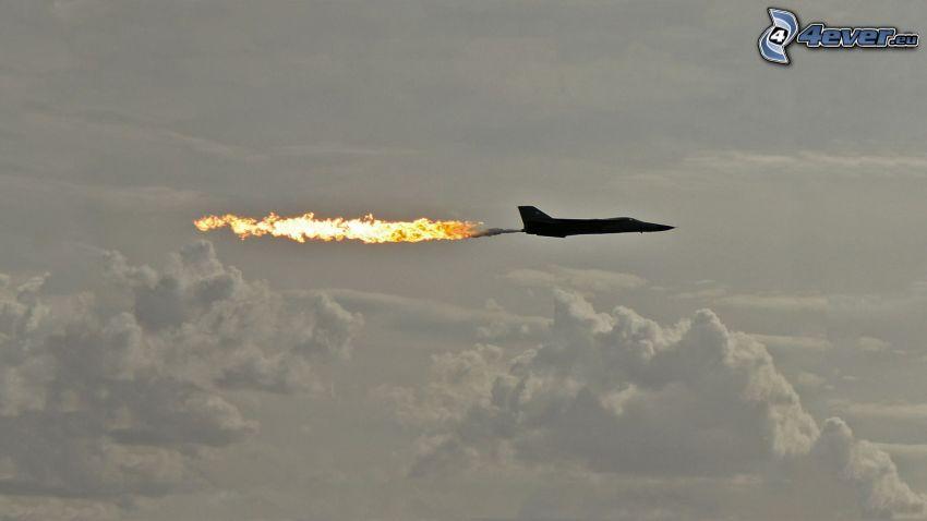 avion de chasse, flamme, nuages
