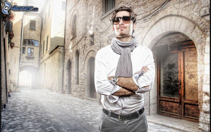 Iron Man, homme, lunettes de soleil, rue, bâtiment, HDR