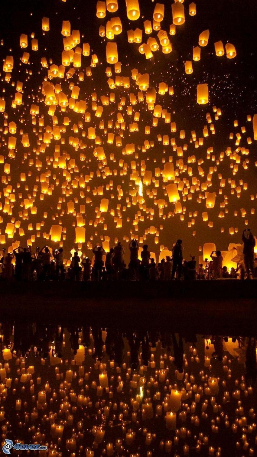 lanternes, de chance, silhouettes de personnes, reflexion