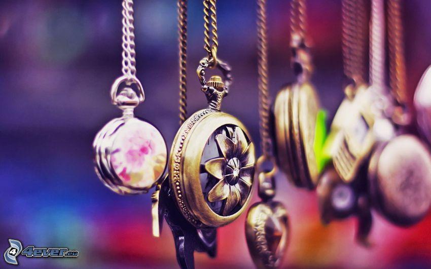 pendentifs, colliers