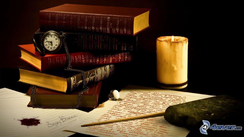 vieux livres, bougie, papier