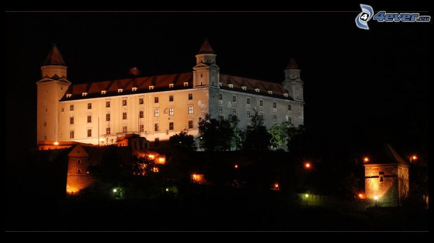Château de Bratislava, nuit, lumières, Slovaquie