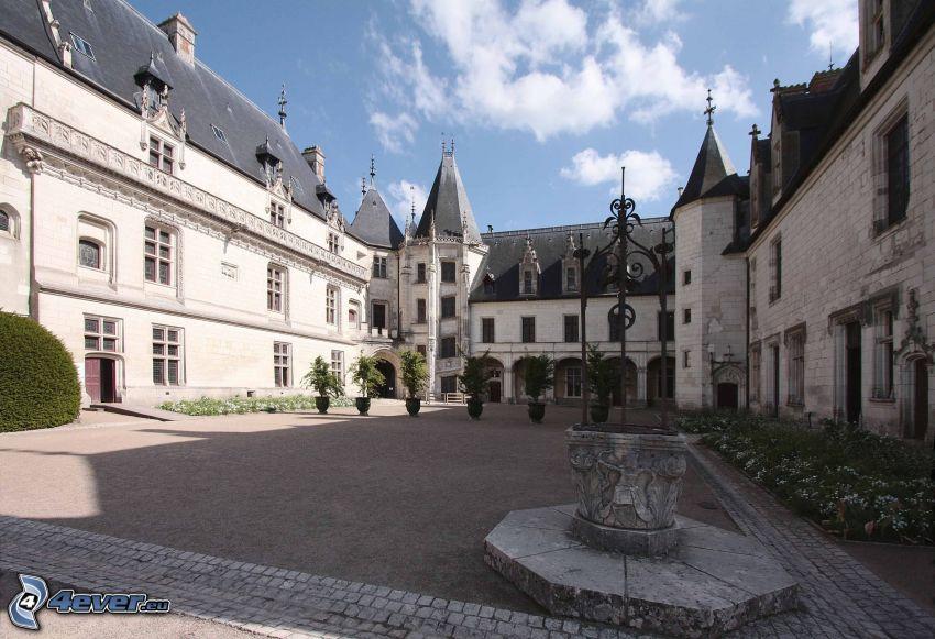 Château de Chaumont, cour