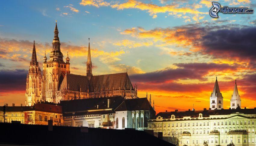 Château de Prague, Prague, ciel orange