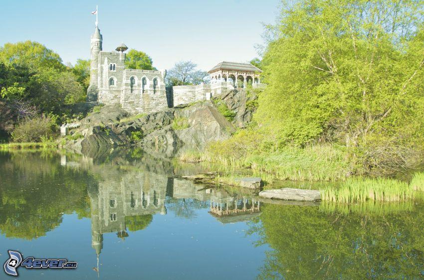 Château du Belvédère, lac, rocher