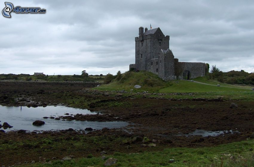 Dunguaire Castle, éclaboussure