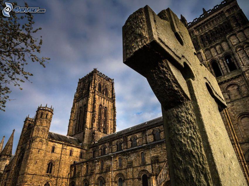 La cathédrale de Durham, croix, tour