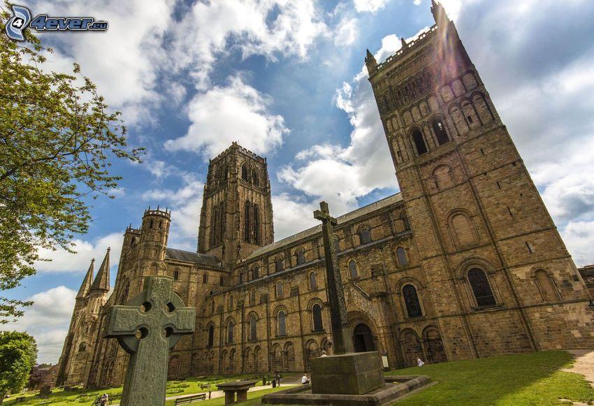 La cathédrale de Durham, nuages, croix