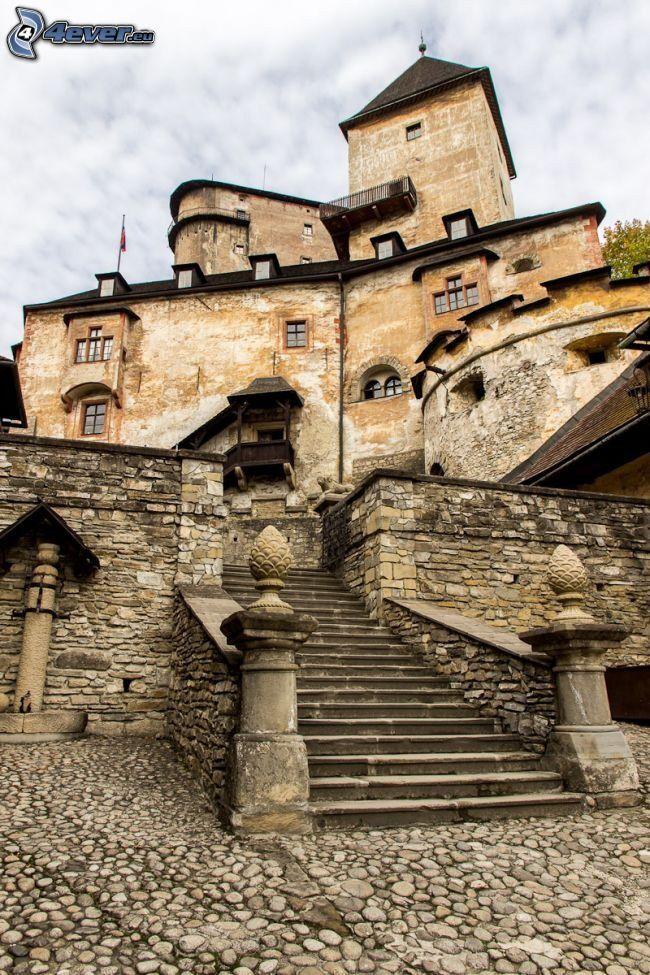 Orava Château, escaliers
