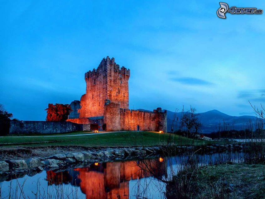 Ross château, soirée, rivière, reflexion, après le coucher du soleil
