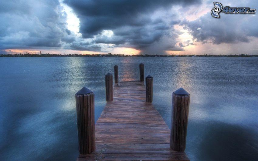 jetée en bois, mer, nuages