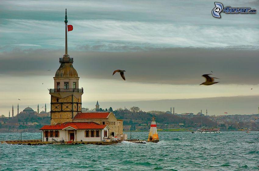 Kiz Kulesi, mer, mouettes, nuages