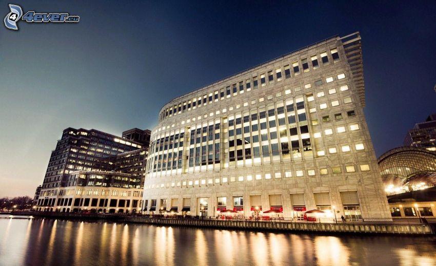 bâtiment, rivière, soirée