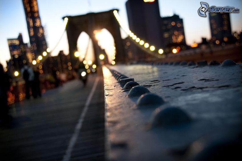 Brooklyn Bridge, pont, couchage de soleil dans la ville