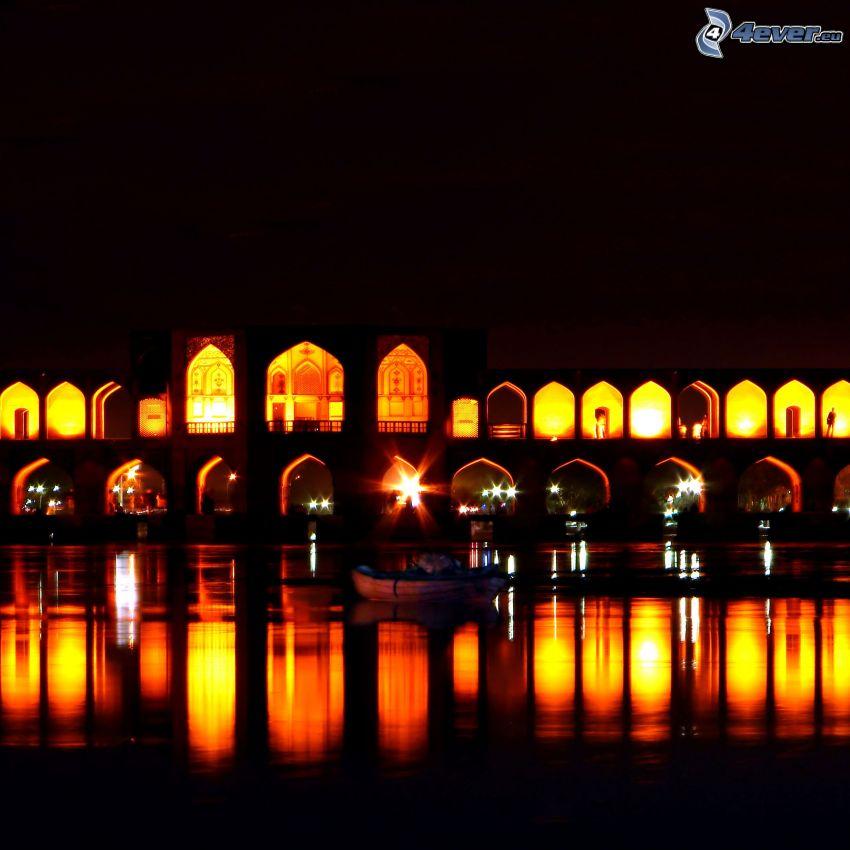 Khaju Bridge, pont illuminé, nuit