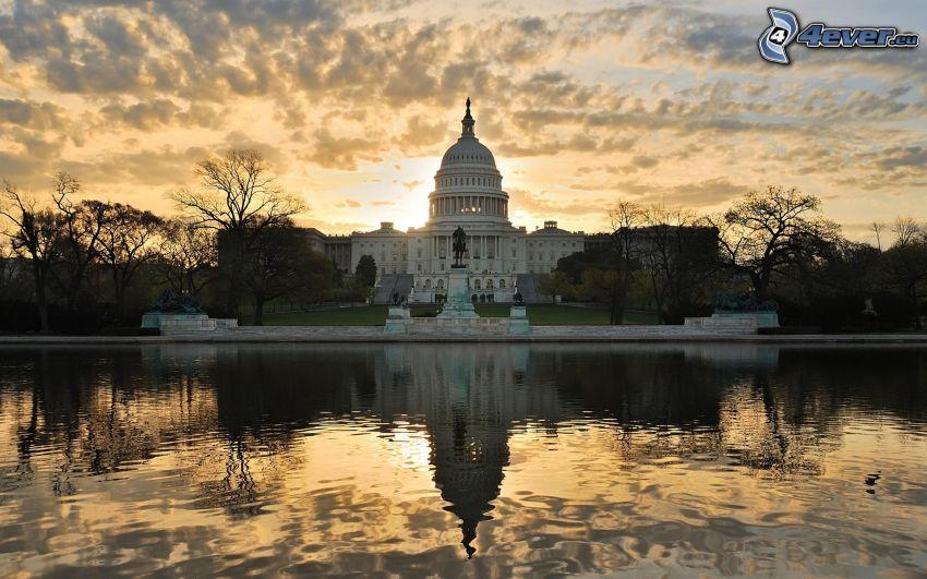 The Capitol, Washington DC, USA, eau, coucher du soleil