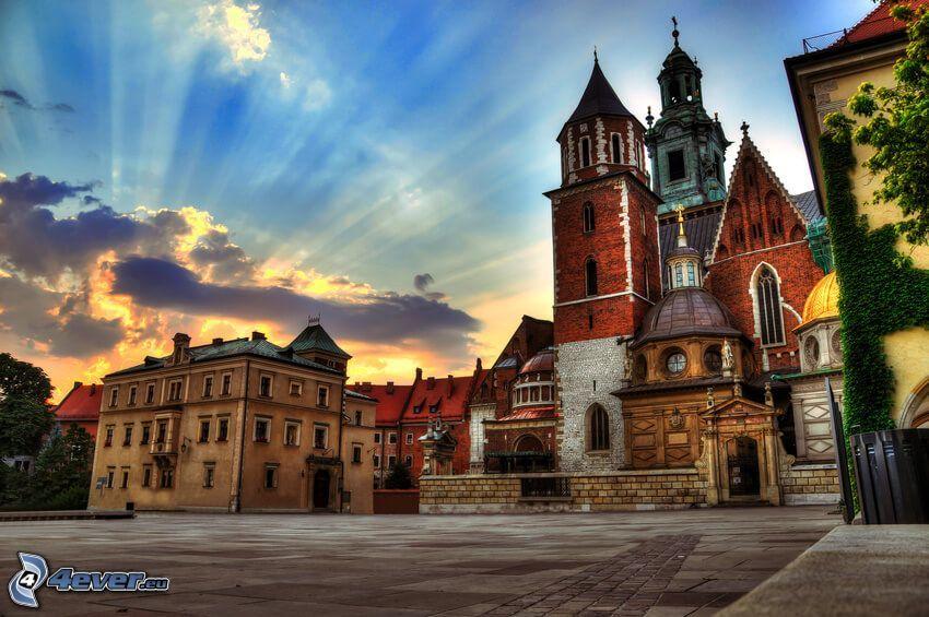 Cracovie, rayons du soleil, coucher du soleil