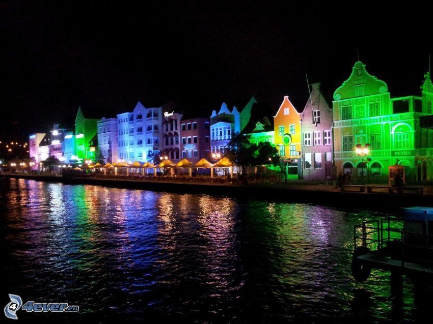 maisons colorées, ville dans la nuit, Curaçao
