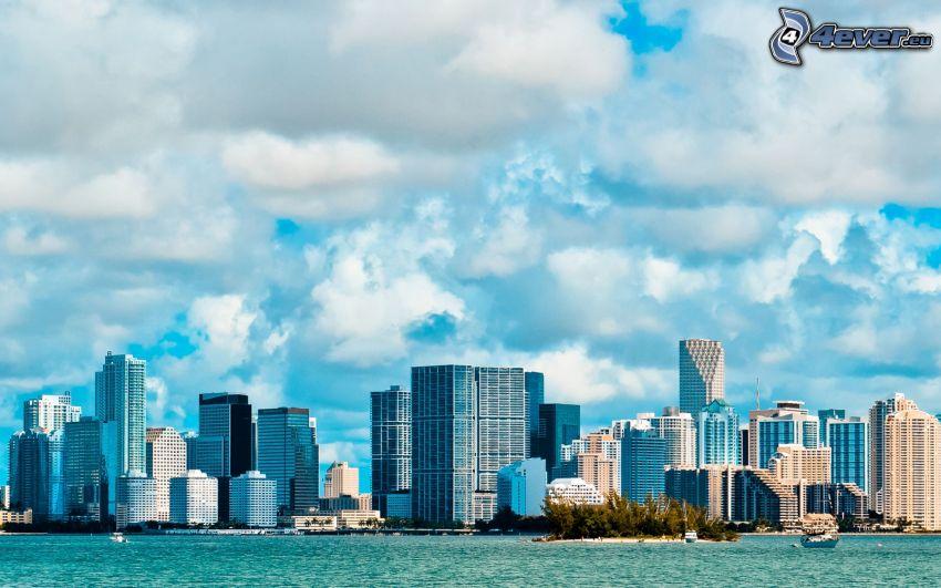 Miami, gratte-ciel, nuages