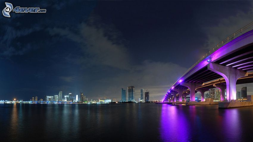 Miami, pont illuminé