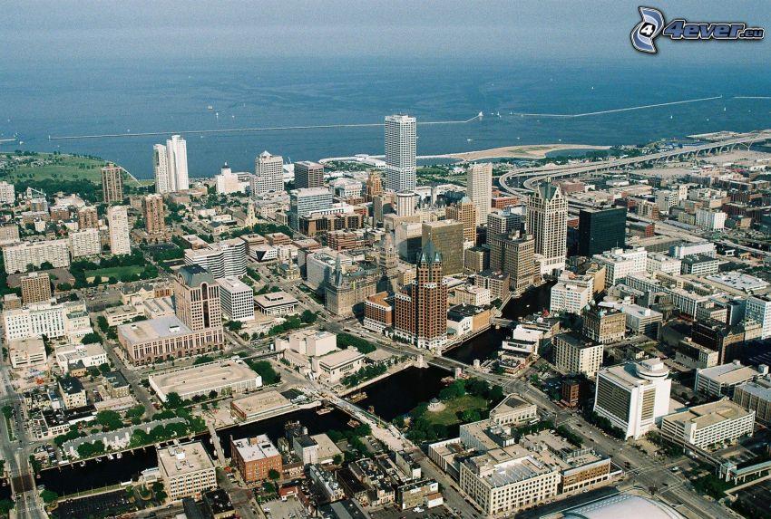 Milwaukee, gratte-ciel, mer