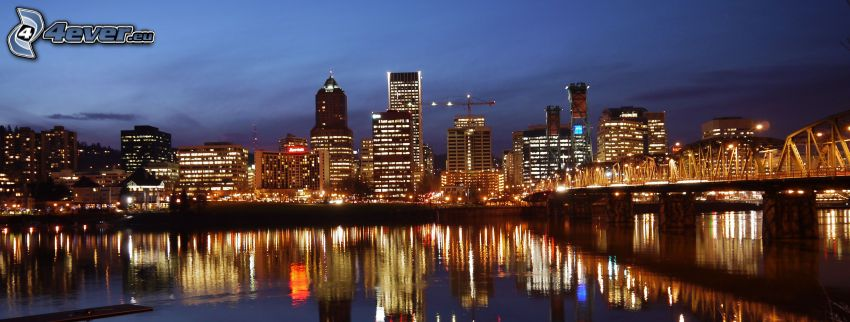 Portland, ville dans la nuit, panorama