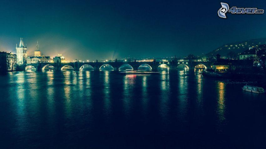 Prague, ville dans la nuit