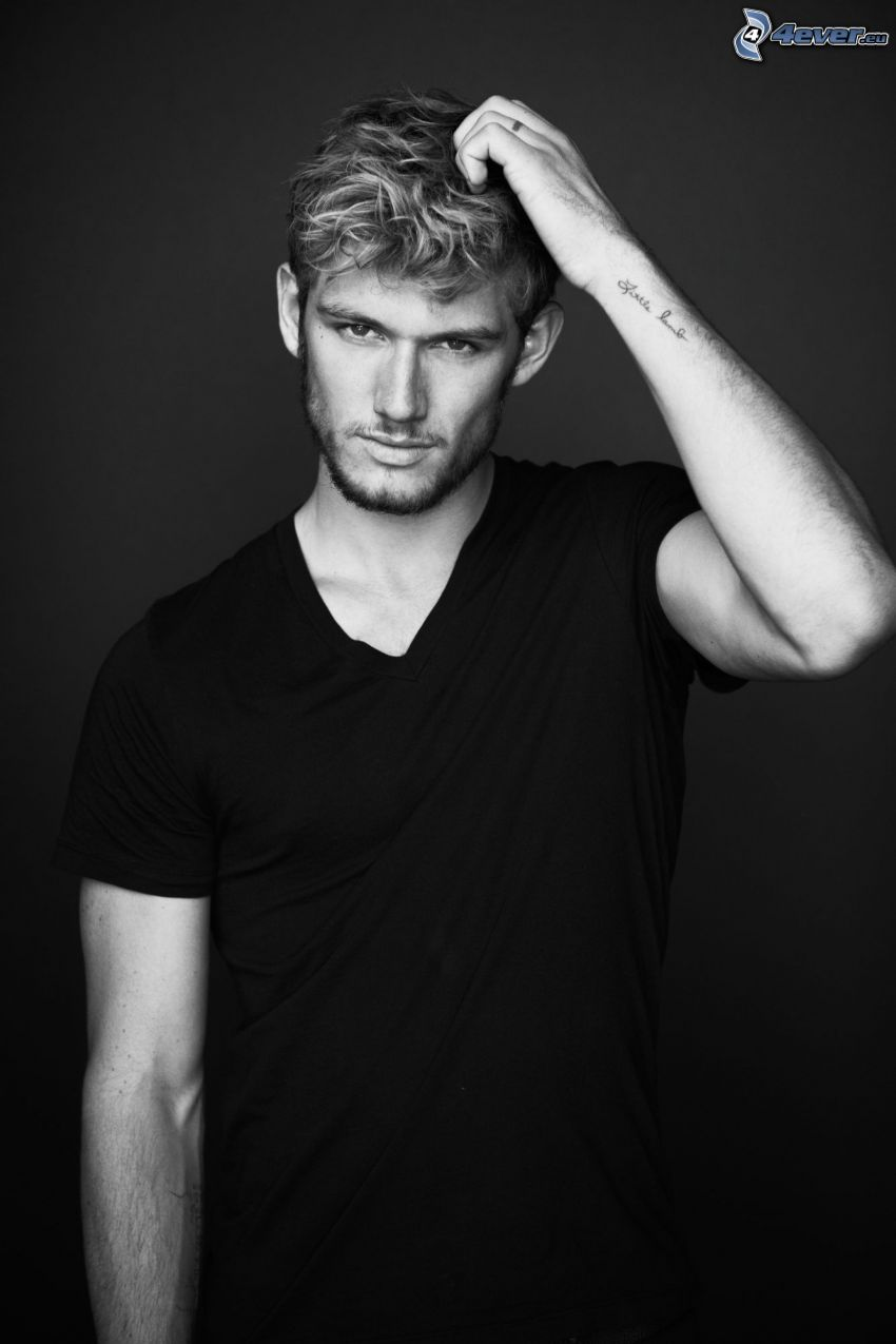 Alex Pettyfer, tatouage, photo noir et blanc